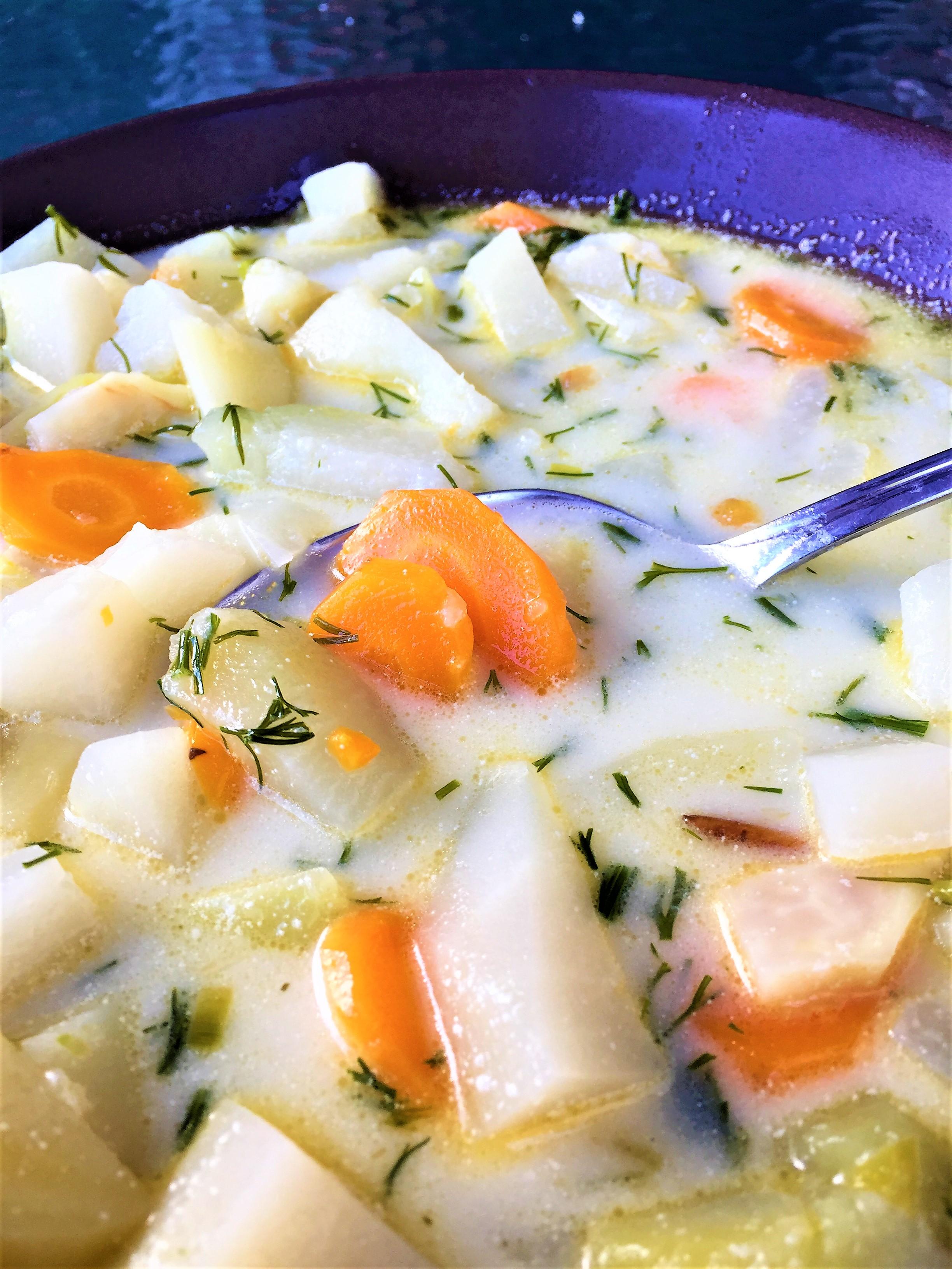 Najlepsza zupa z młodej kalarepki.